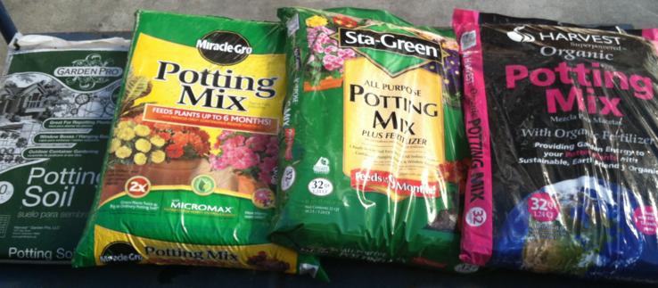 Dangers-of-Potting-Mixes-Garden-Pro-Miracle-Gro-Organic-Fertilser