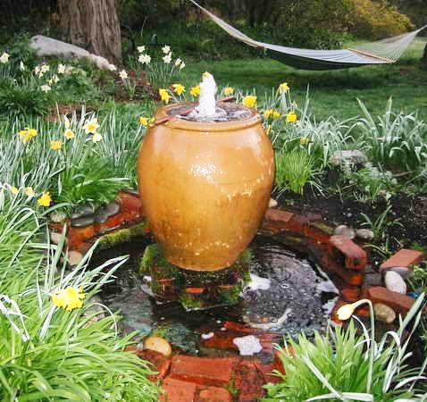 Sensory-Garden-stimulating-water-features